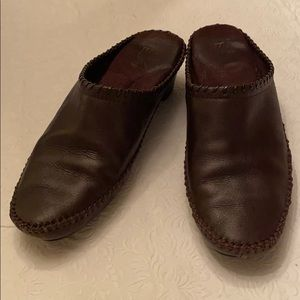 White Mountain brown leather mules 8 1/2 M